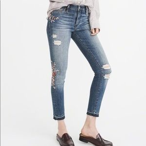 Abercrombie & Fitch | Embroidered Jeans